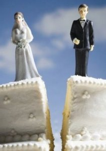 divorce_figurines