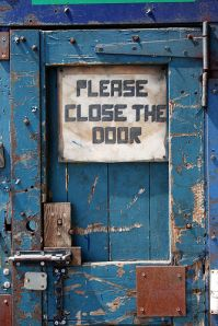 please close the door